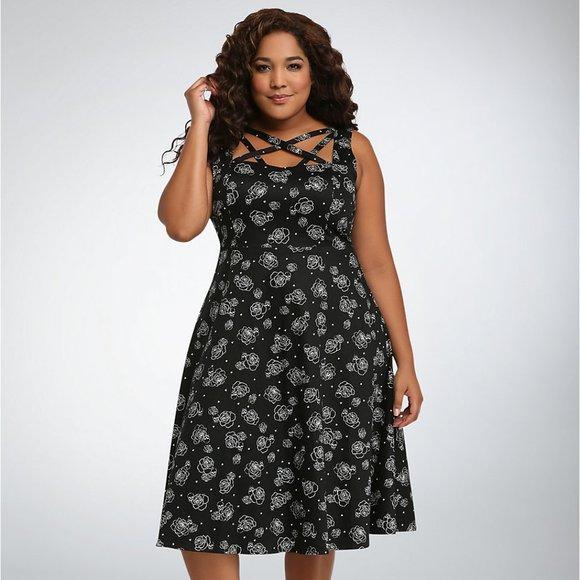 torrid Dresses & Skirts - Torrid Rose Skull Lattice Front Swing Dress Black